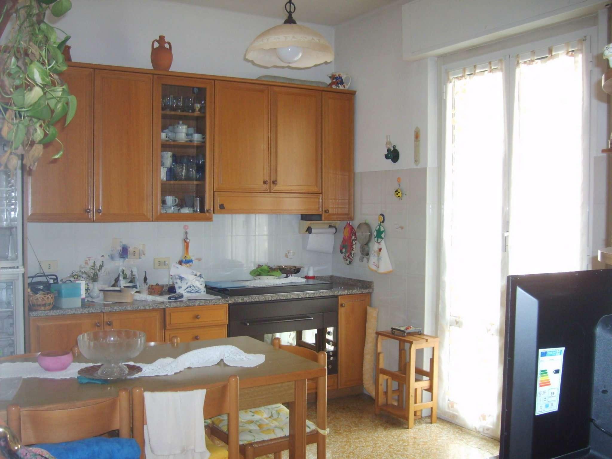 Appartamento in vendita a Campomorone, 5 locali, prezzo € 125.000 | Cambio Casa.it