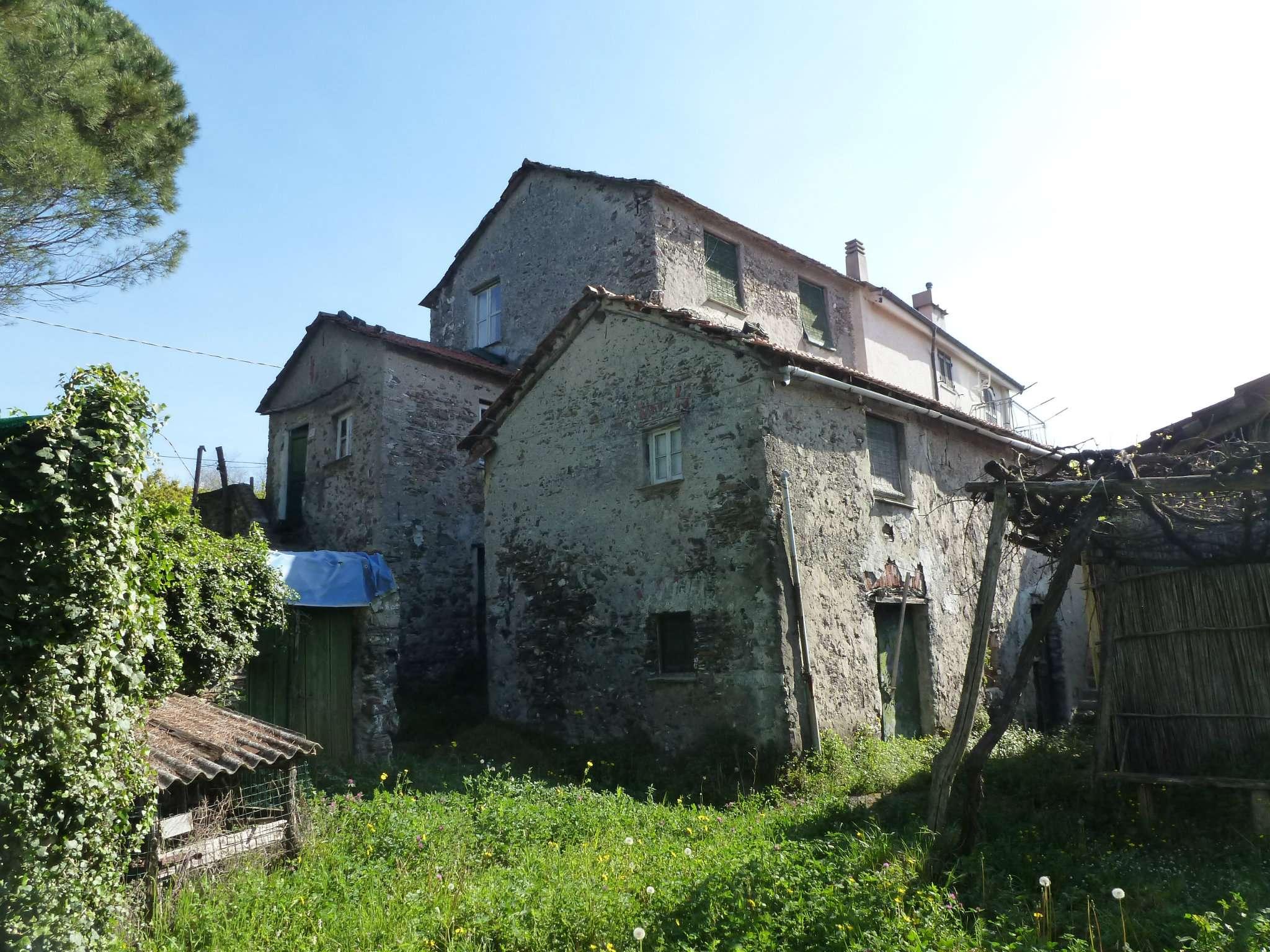 Rustico / Casale in vendita a Serra Riccò, 5 locali, prezzo € 265.000 | CambioCasa.it