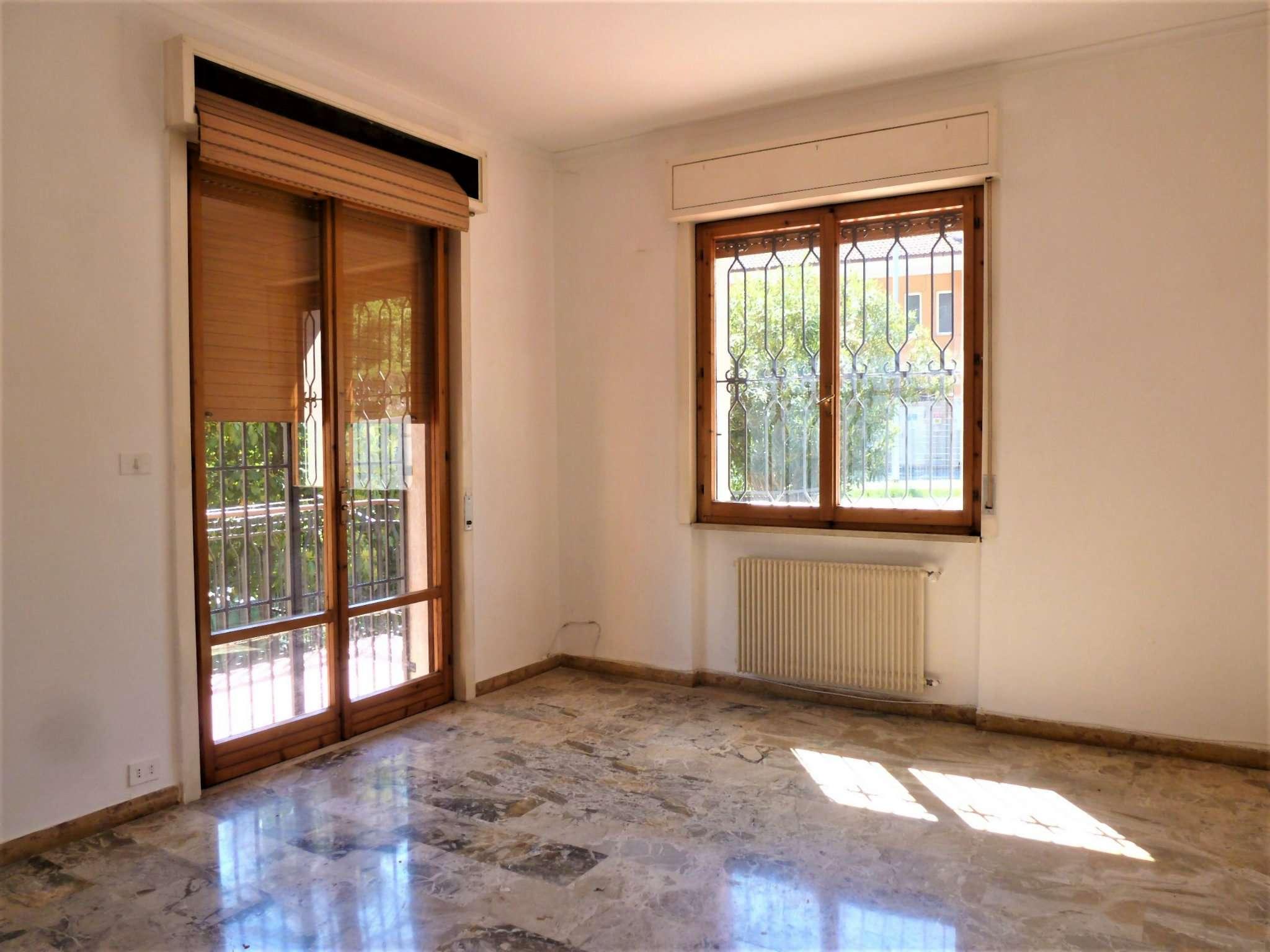 Appartamento in affitto a Sant'Olcese, 5 locali, prezzo € 450 | Cambio Casa.it