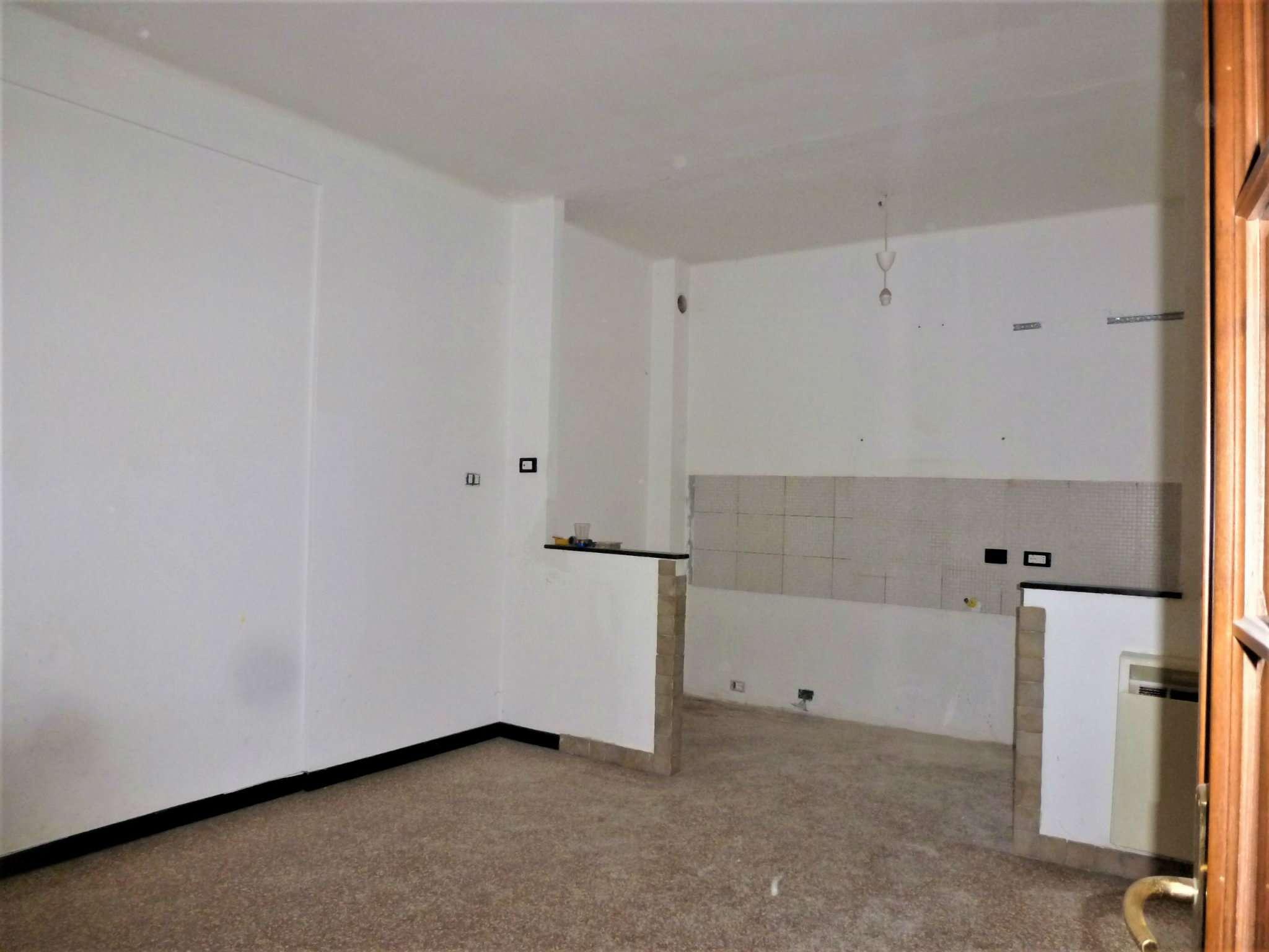 Appartamento in vendita a Campomorone, 4 locali, prezzo € 55.000 | Cambio Casa.it