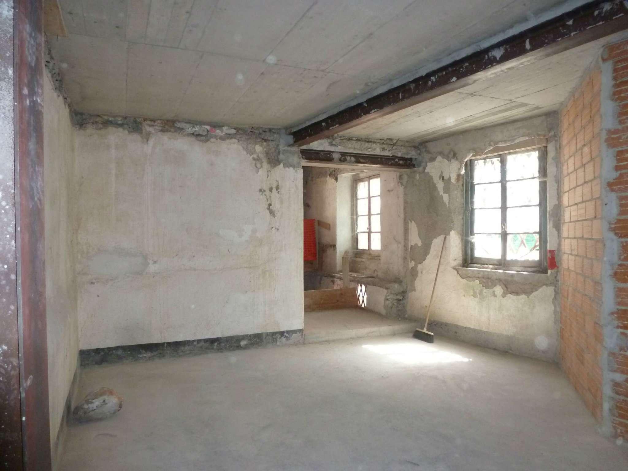 Appartamento in vendita a Campomorone, 5 locali, prezzo € 60.000 | Cambio Casa.it