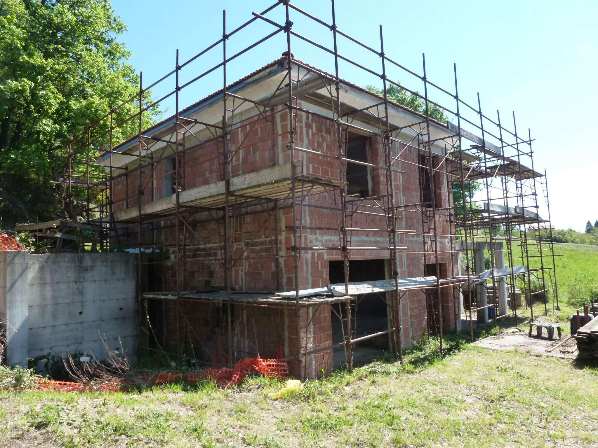 Villa in vendita a Campomorone, 5 locali, prezzo € 259.000 | CambioCasa.it