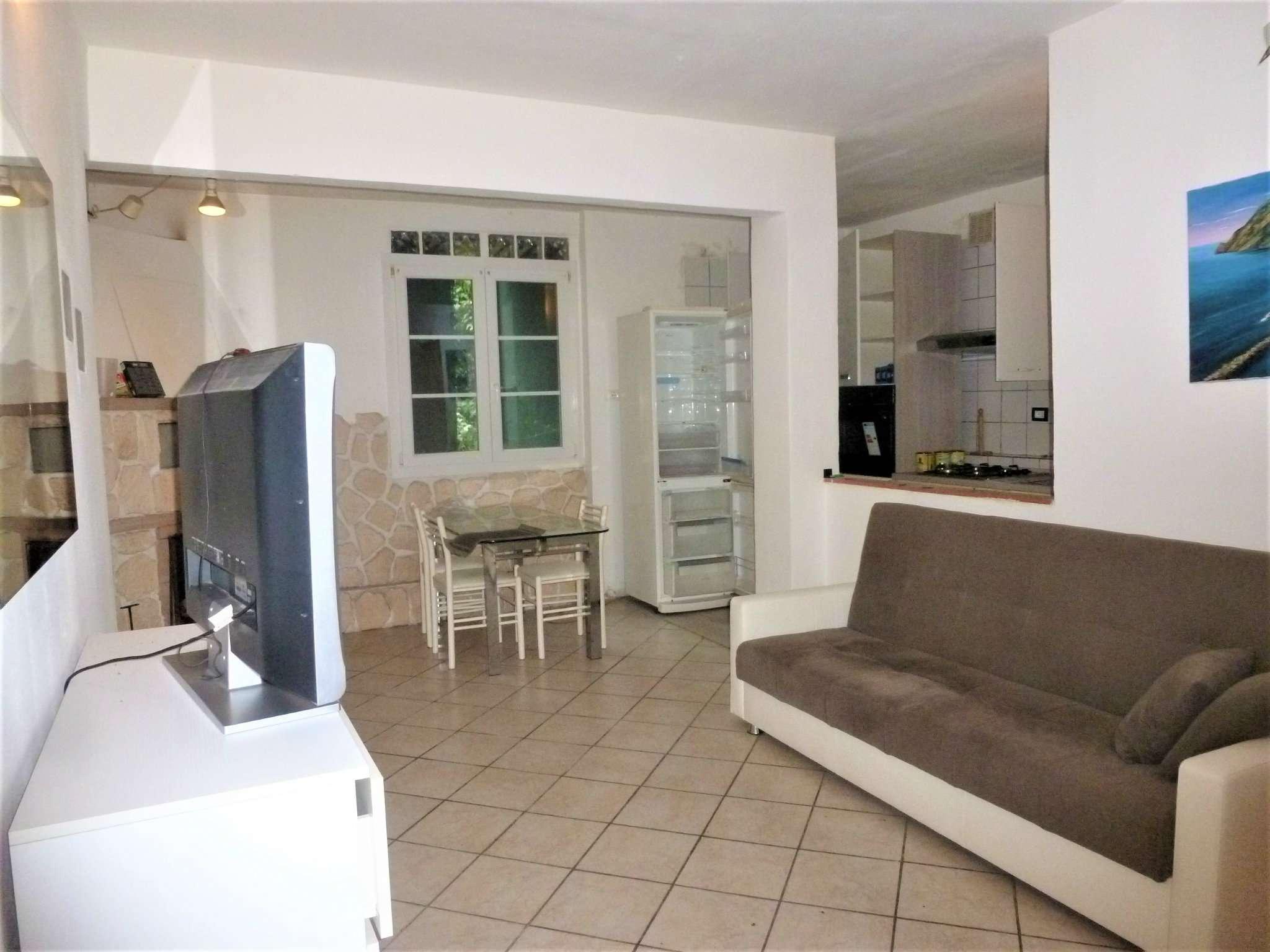 Appartamento in vendita a Ceranesi, 5 locali, prezzo € 45.000 | CambioCasa.it