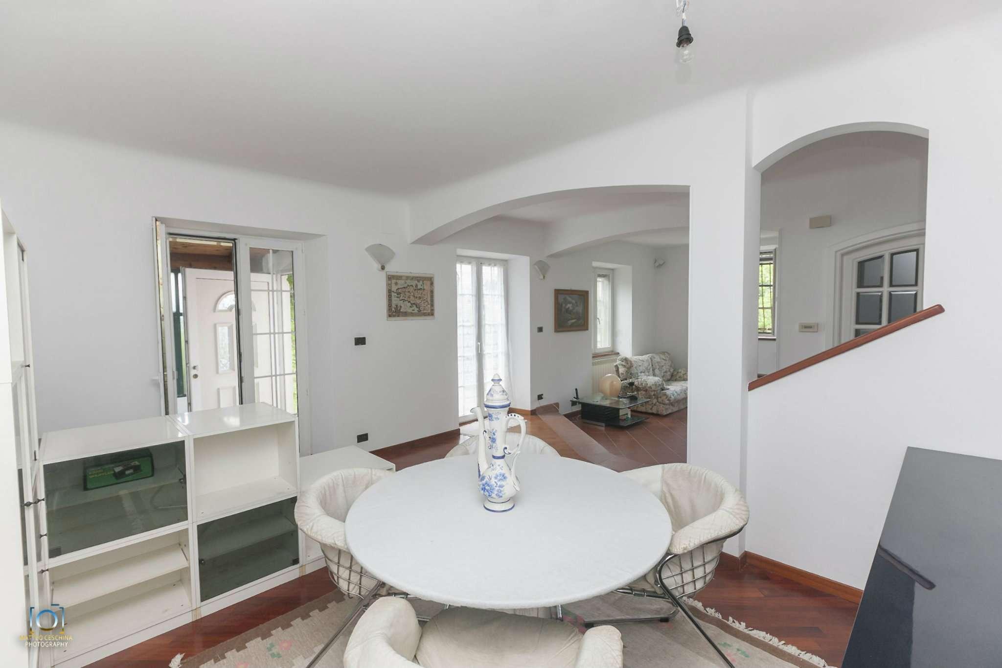 Soluzione Semindipendente in vendita a Mignanego, 7 locali, prezzo € 300.000 | CambioCasa.it