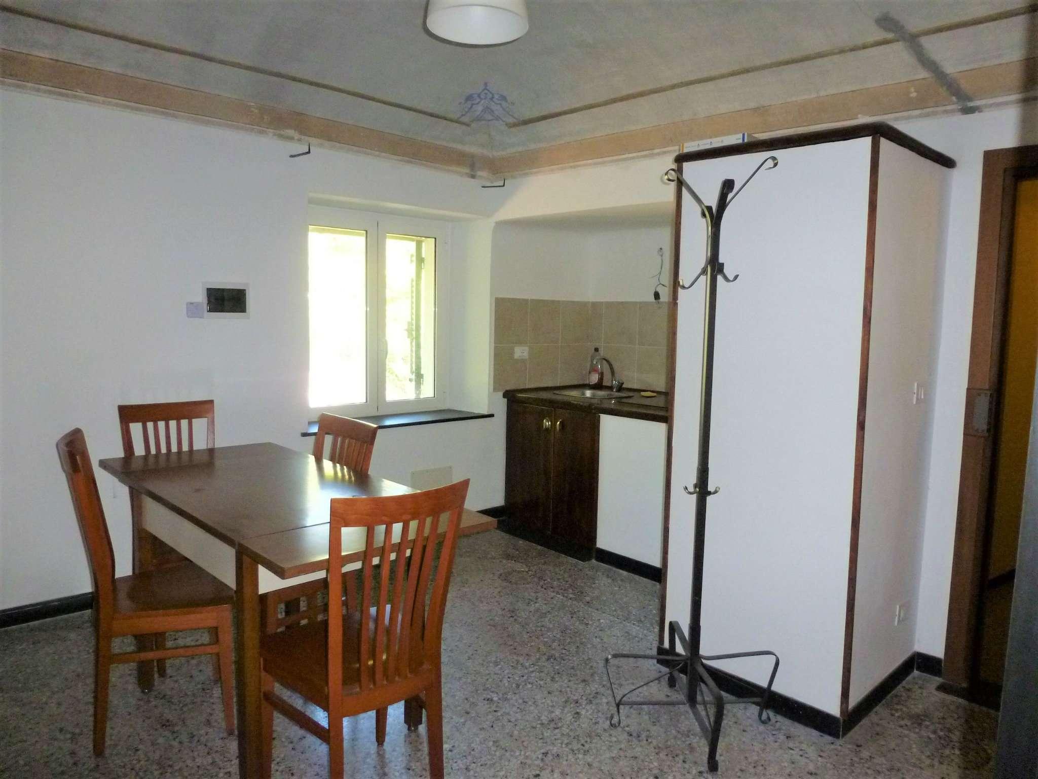 Appartamento in affitto a Genova, 5 locali, zona Zona: 6 . Bolzaneto, Valpolcevera, Rivarolo, prezzo € 600 | CambioCasa.it