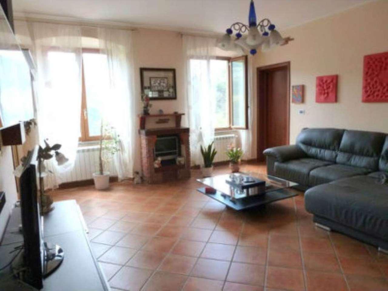 Appartamento in vendita a Mignanego, 6 locali, prezzo € 150.000 | Cambio Casa.it