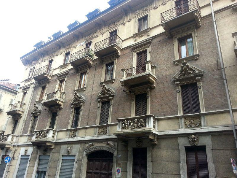Appartamento in vendita a Torino, 2 locali, zona Zona: 3 . San Salvario, prezzo € 96.000 | Cambiocasa.it
