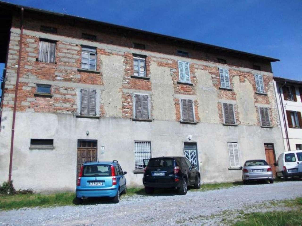 Rustico / Casale in vendita a Olgiate Comasco, 16 locali, prezzo € 190.000 | Cambio Casa.it