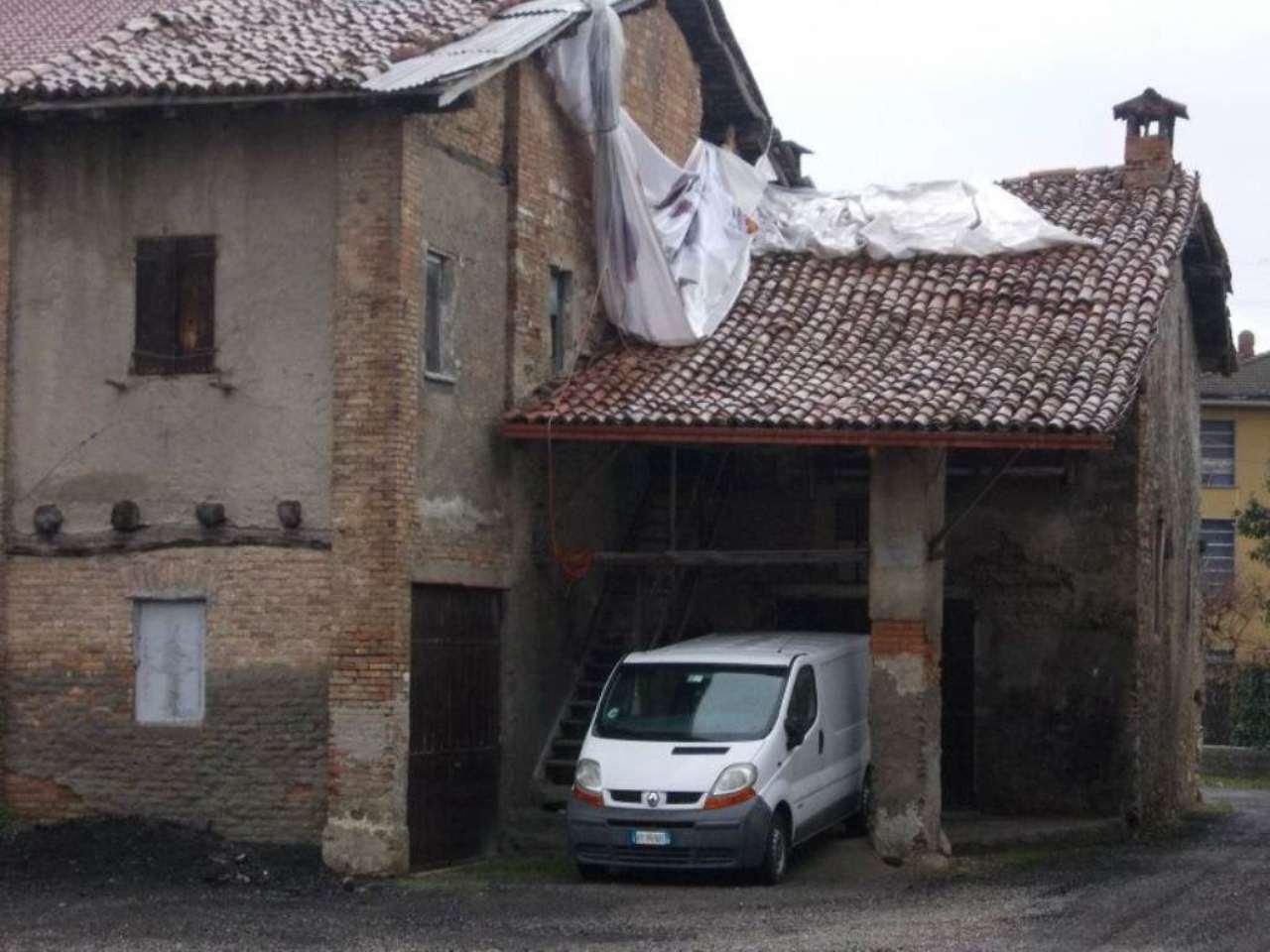 Rustico / Casale in vendita a Faloppio, 4 locali, prezzo € 80.000 | Cambio Casa.it