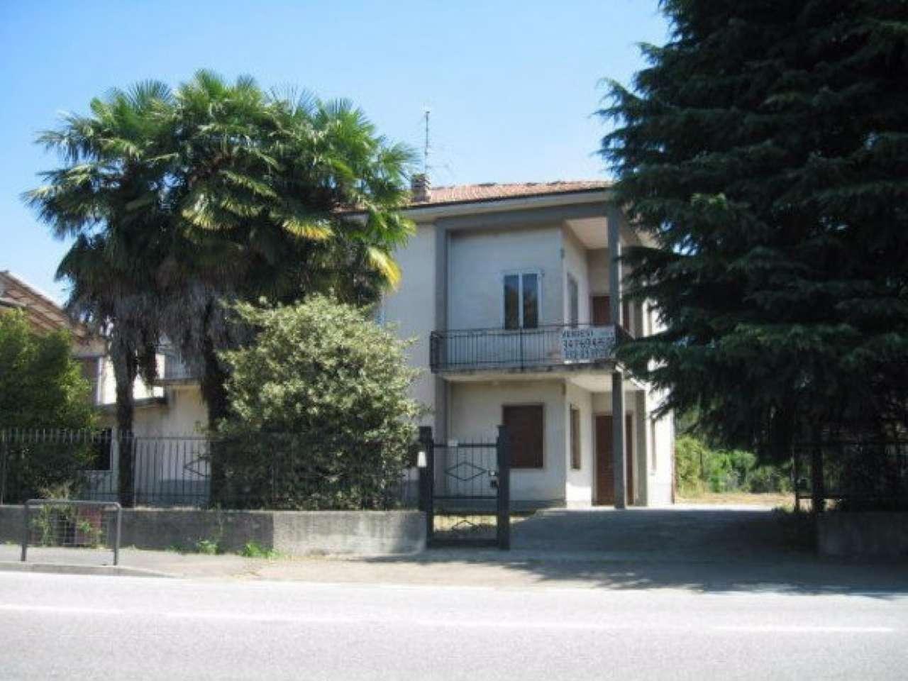Soluzione Indipendente in vendita a Guanzate, 6 locali, prezzo € 230.000 | Cambio Casa.it