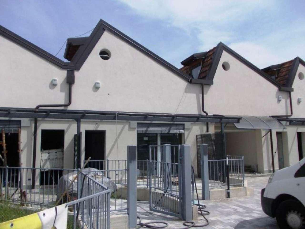 Appartamento in vendita a Uggiate-Trevano, 4 locali, prezzo € 270.000 | Cambio Casa.it