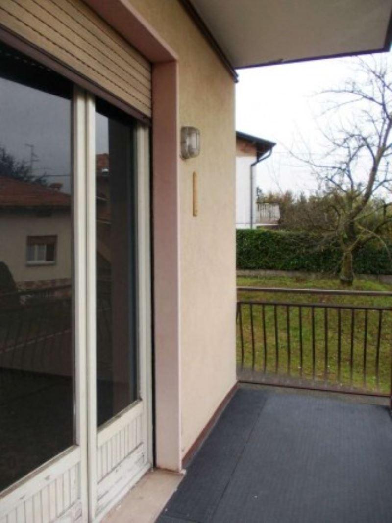 Appartamento in vendita a Uggiate-Trevano, 3 locali, prezzo € 130.000 | Cambio Casa.it