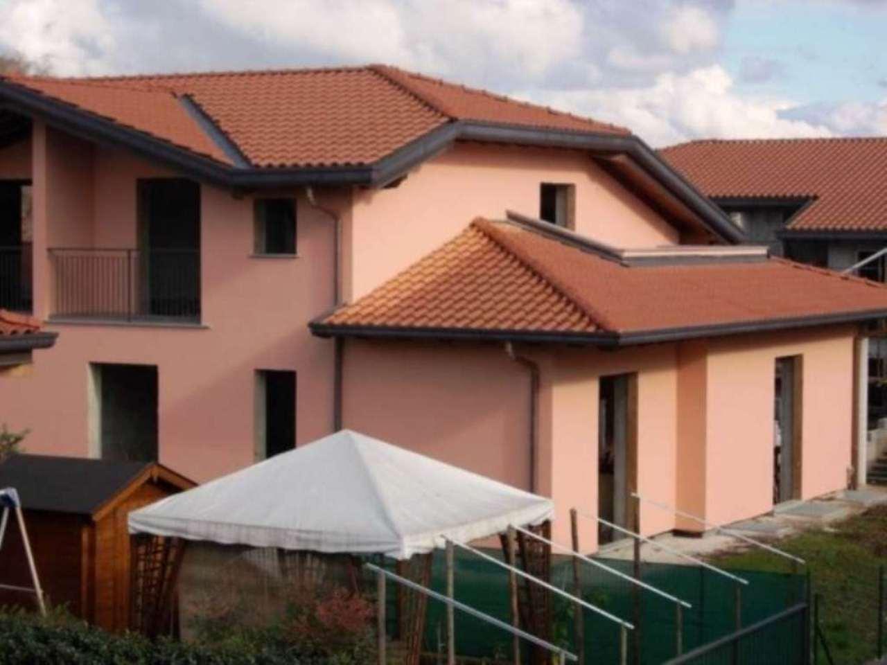 Villa in vendita a Fino Mornasco, 6 locali, prezzo € 380.000 | Cambio Casa.it