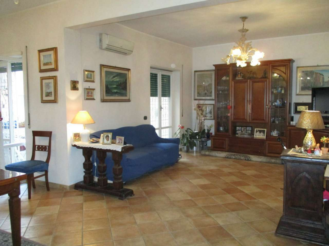 Appartamento in vendita 4 vani 130 mq.  via della Stazione del Lido Roma