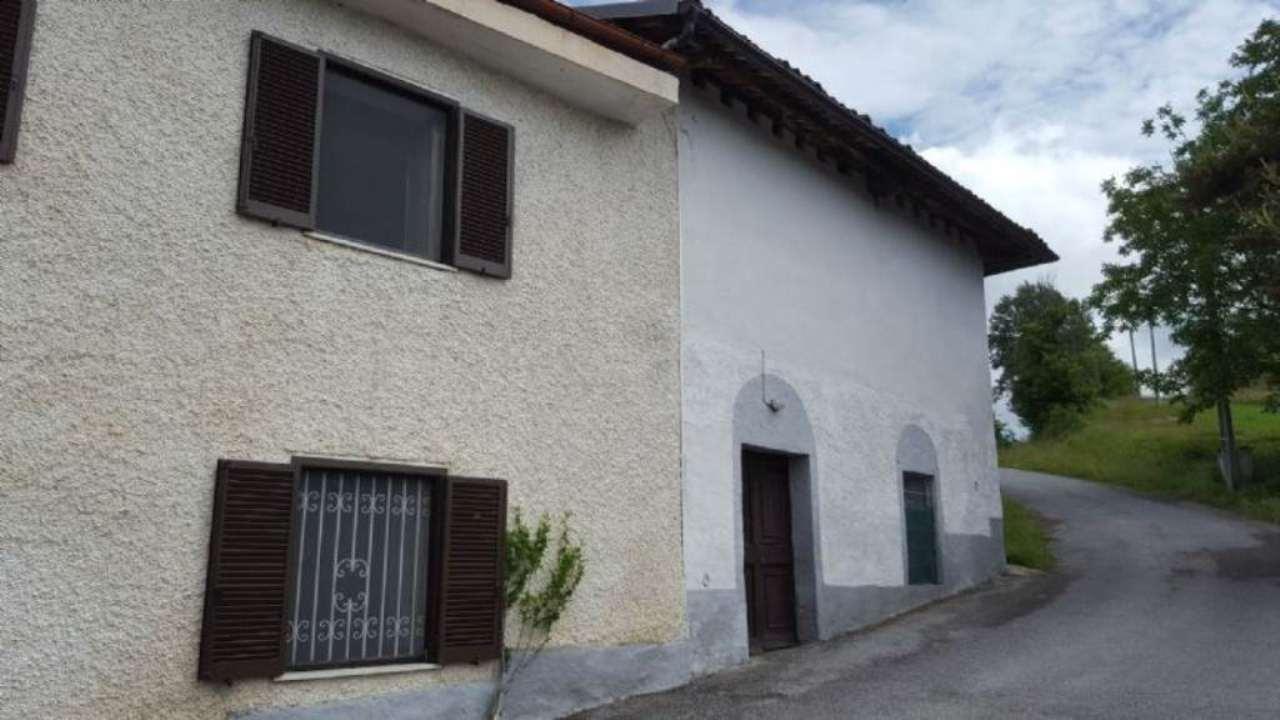 Rustico / Casale in vendita a Marsaglia, 10 locali, prezzo € 170.000   Cambio Casa.it
