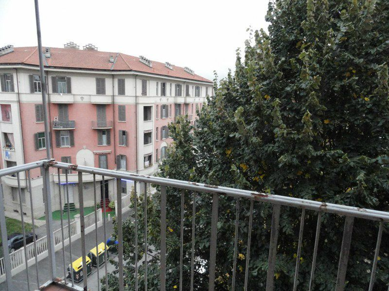 Bilocale Torino Via Montevideo 11