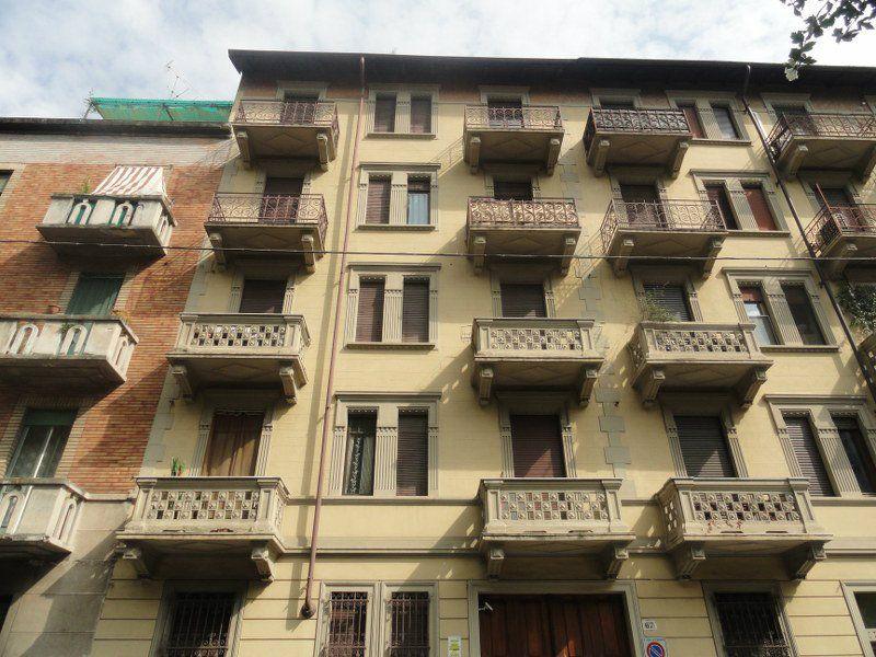 Bilocale Torino Via Borgone 1