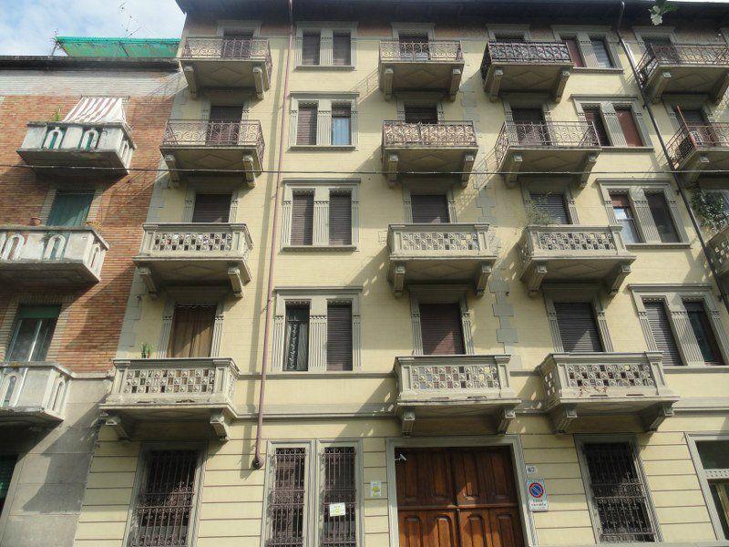 Bilocale Torino Via Borgone 2