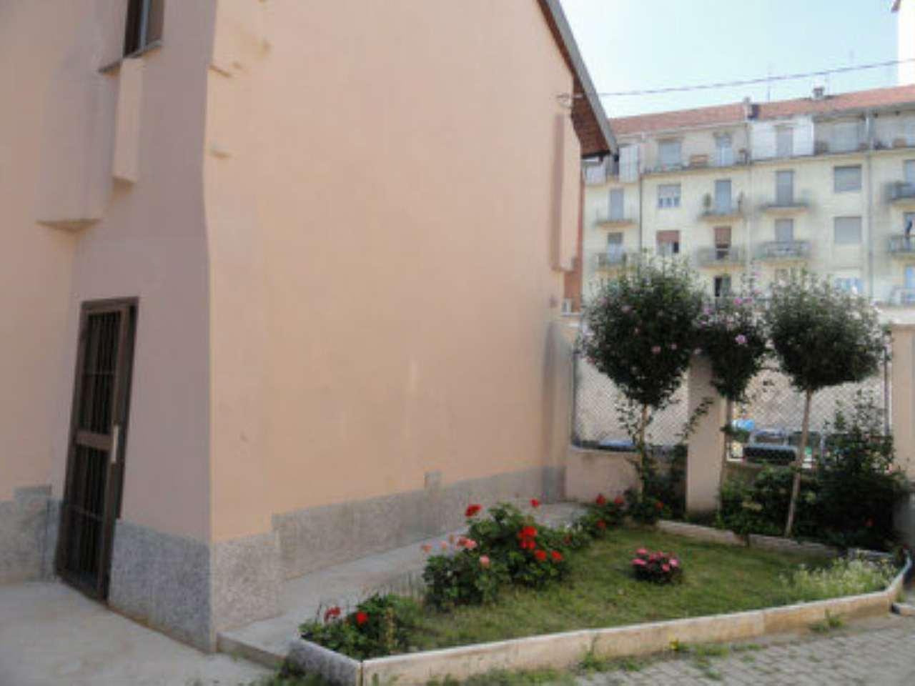 Bilocale Torino Via Verolengo 194 1