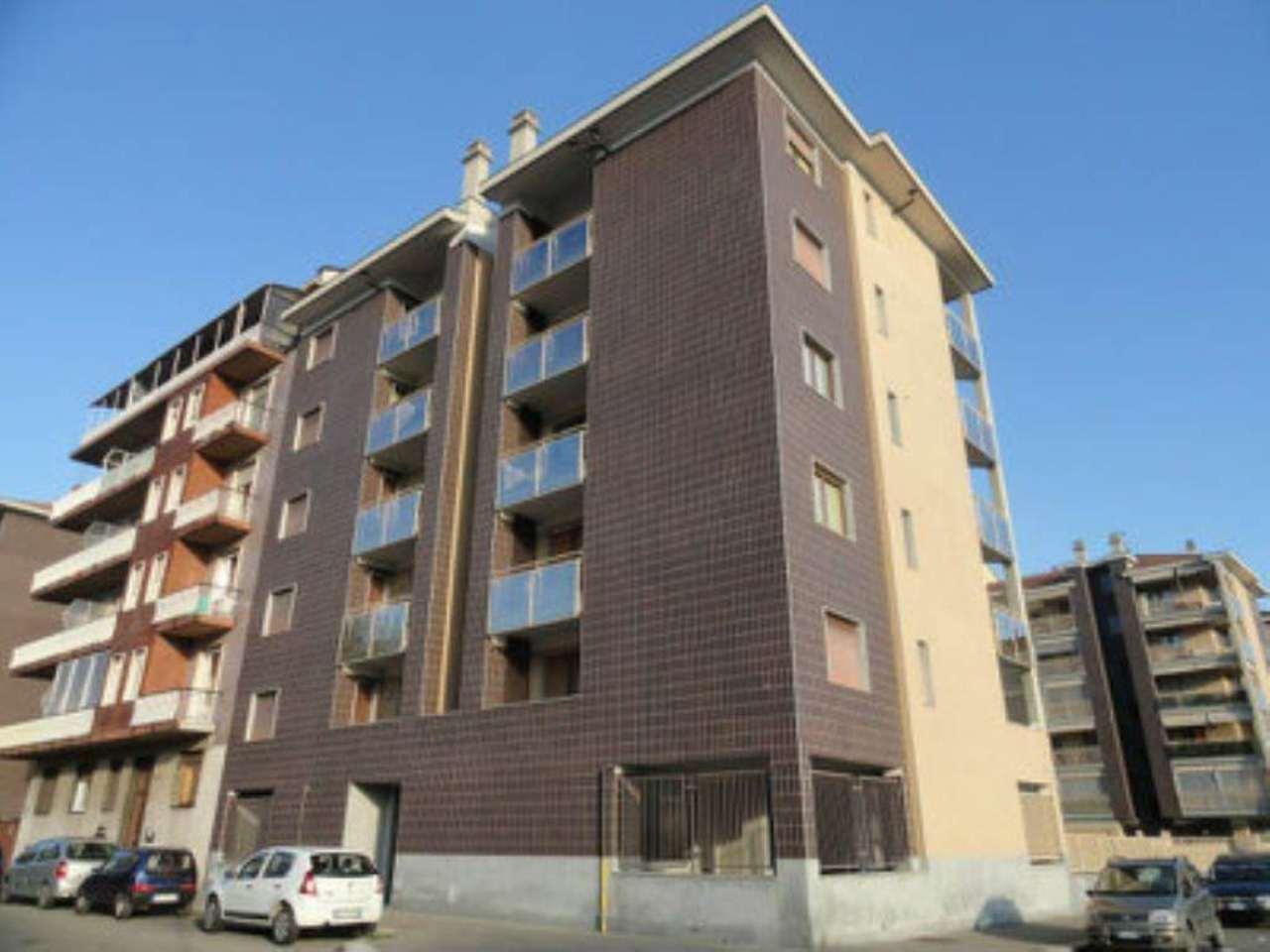 Bilocale Torino Via Gradisca 10