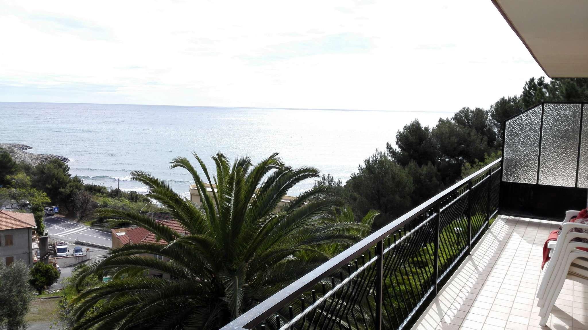Appartamento in vendita a San Lorenzo al Mare, 3 locali, prezzo € 230.000 | CambioCasa.it