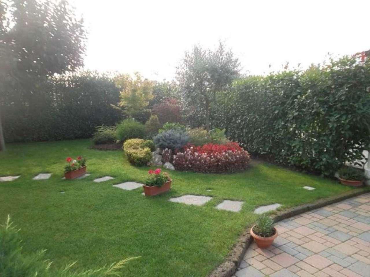 Villa in vendita a Vinovo, 10 locali, prezzo € 315.000 | Cambio Casa.it