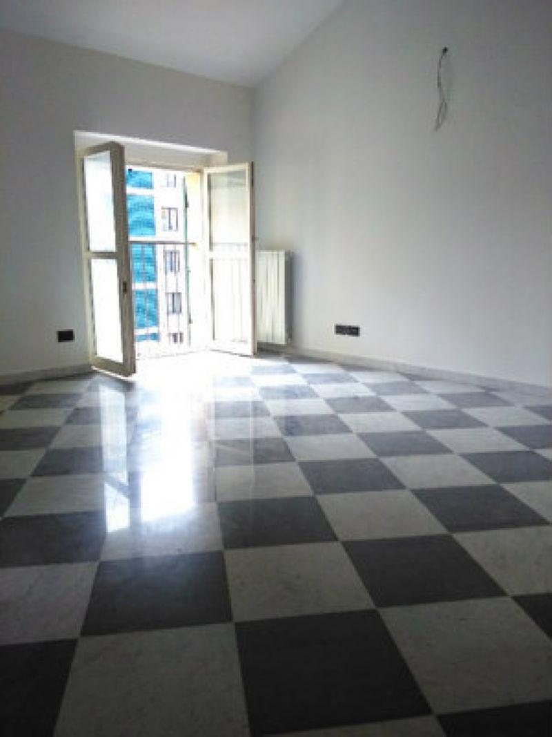 Appartamento in affitto a Genova, 9999 locali, zona Zona: 1 . Centro, Centro Storico, prezzo € 1.400   Cambio Casa.it