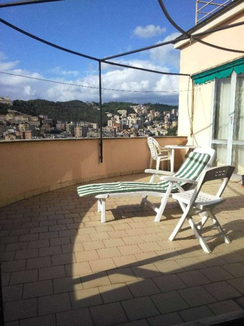 Attico / Mansarda in vendita a Genova, 7 locali, prezzo € 445.000 | Cambio Casa.it