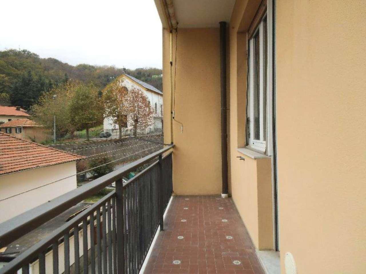 Appartamento in vendita a Serra Riccò, 4 locali, prezzo € 95.000 | Cambio Casa.it