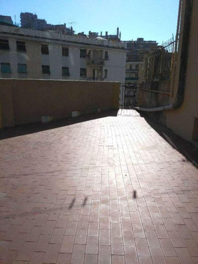 Bilocale Genova Via Monte Rosa 3