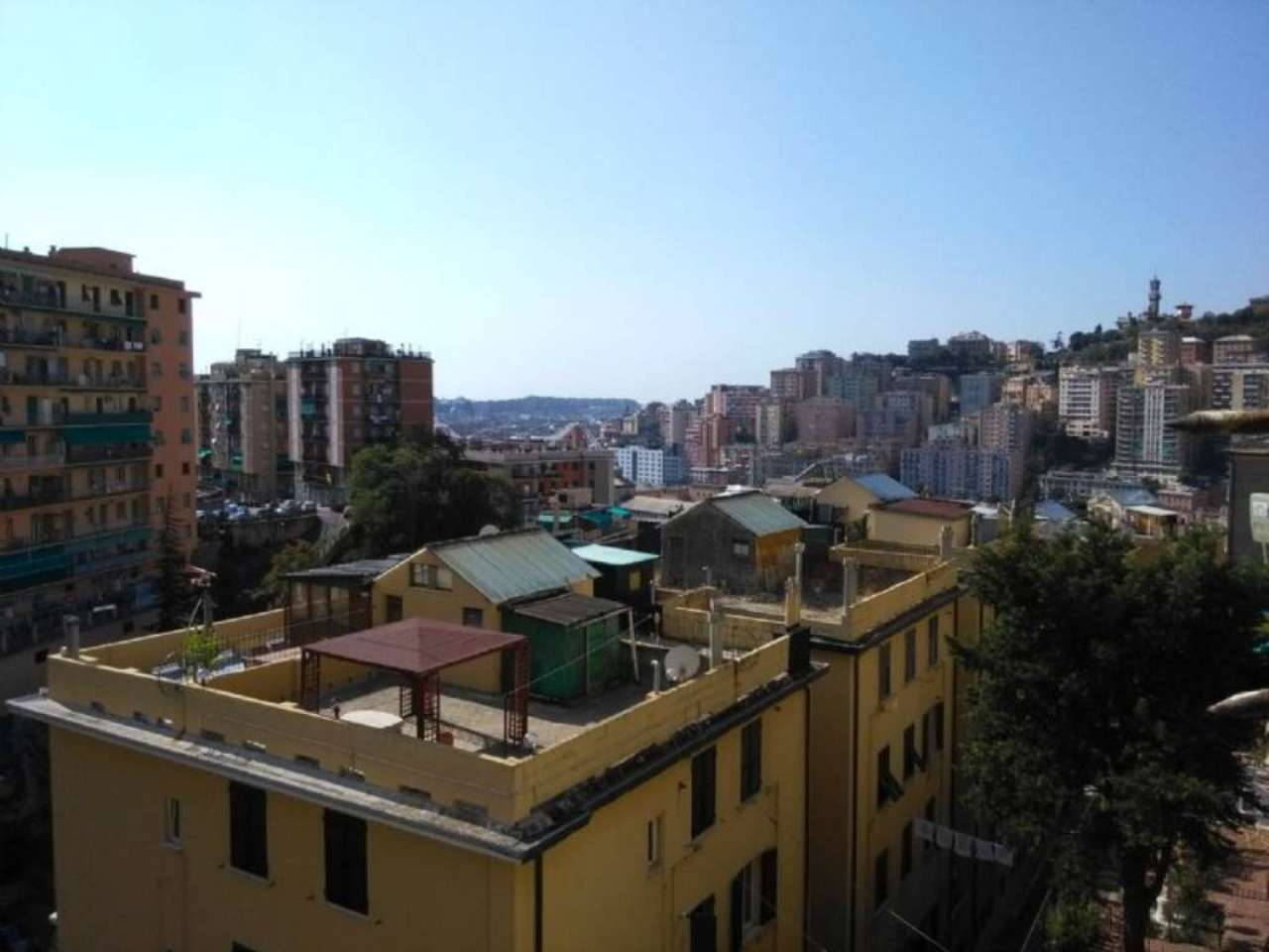 Bilocale Genova Via Monte Rosa 4