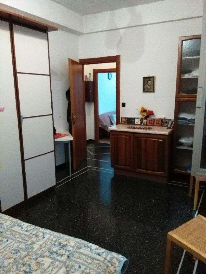 Bilocale Genova Via Monte Rosa 9