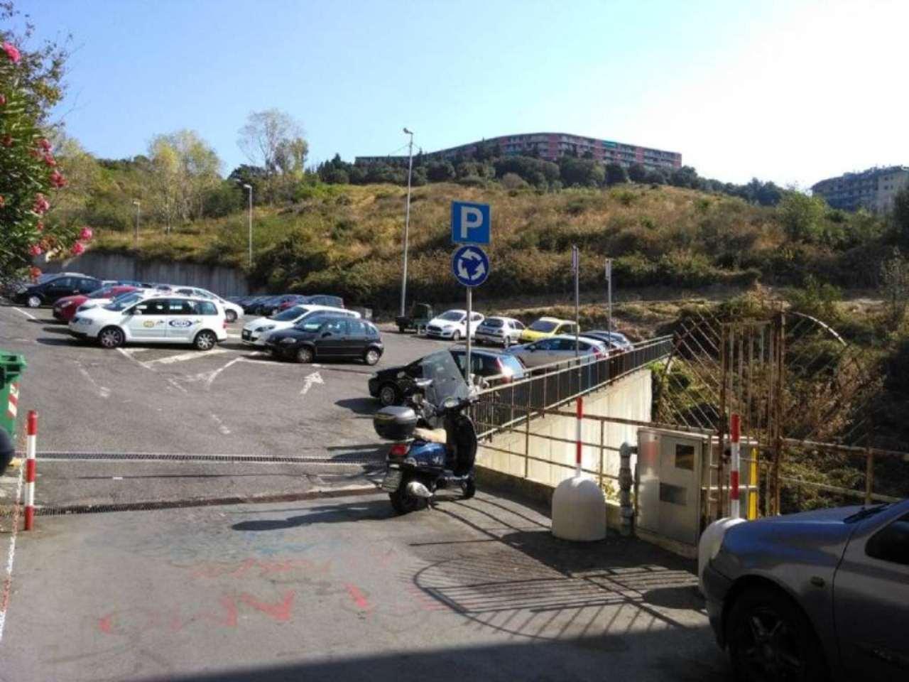 Bilocale Genova Via Monte Rosa 12