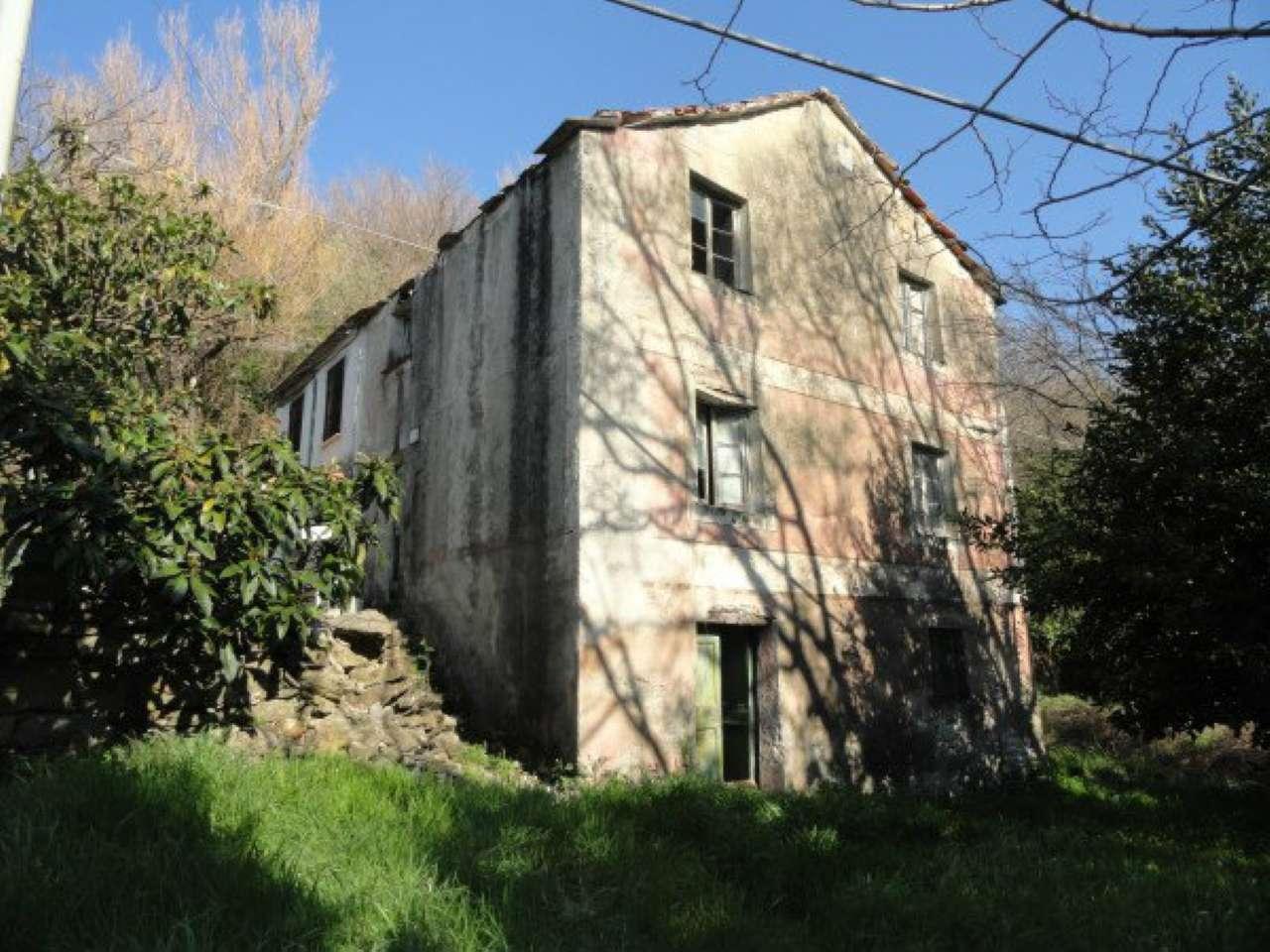 Rustici e casali in vendita a genova for Casa con giardino genova