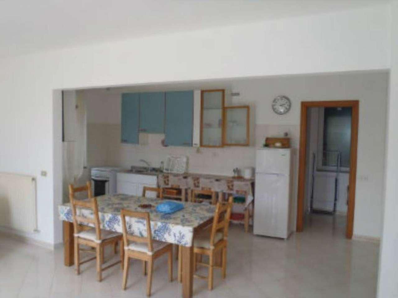 Appartamento in vendita a Chiavari, 3 locali, prezzo € 190.000 | Cambio Casa.it