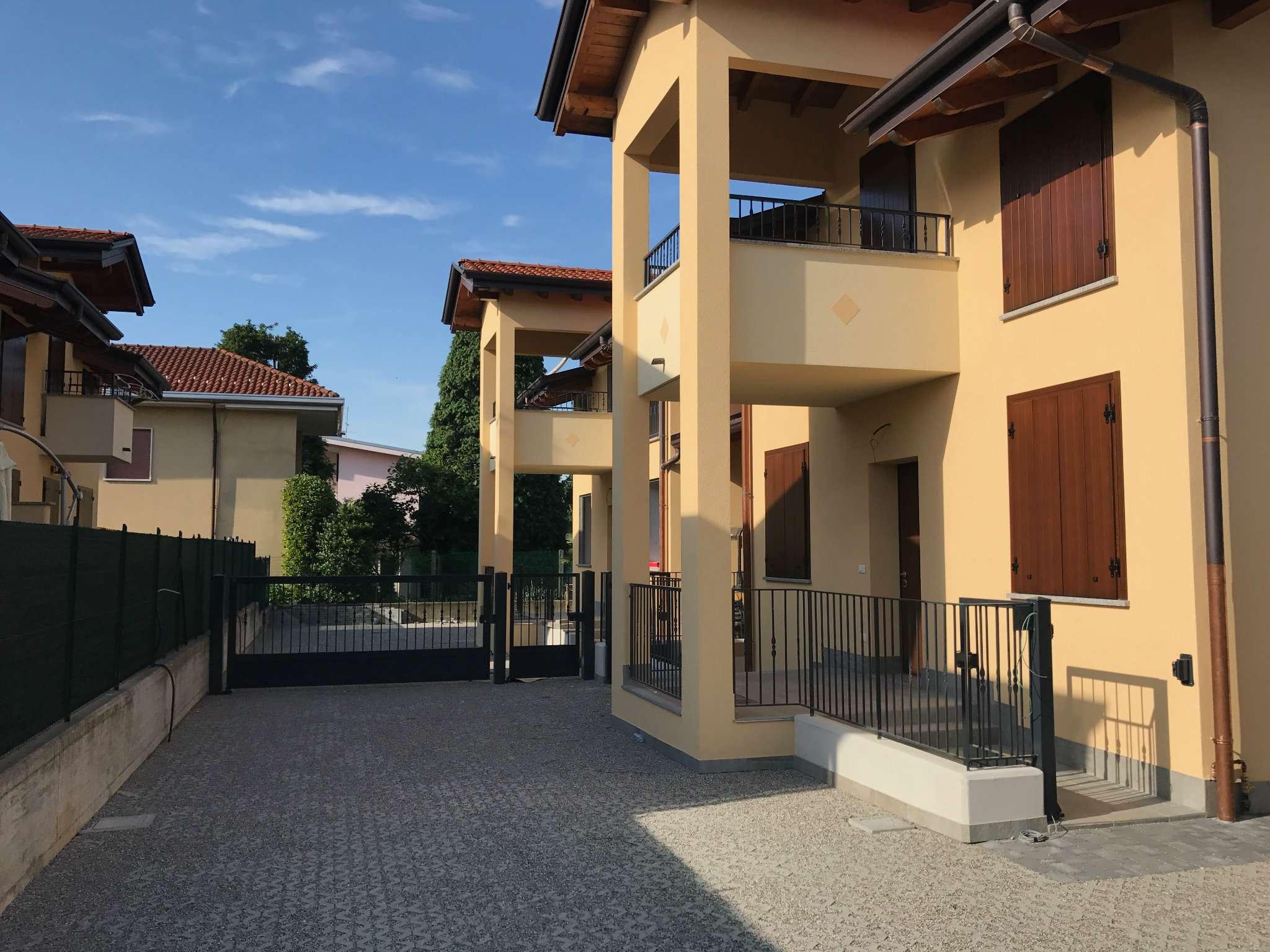 Villa in vendita a Ferno, 4 locali, prezzo € 280.000 | CambioCasa.it