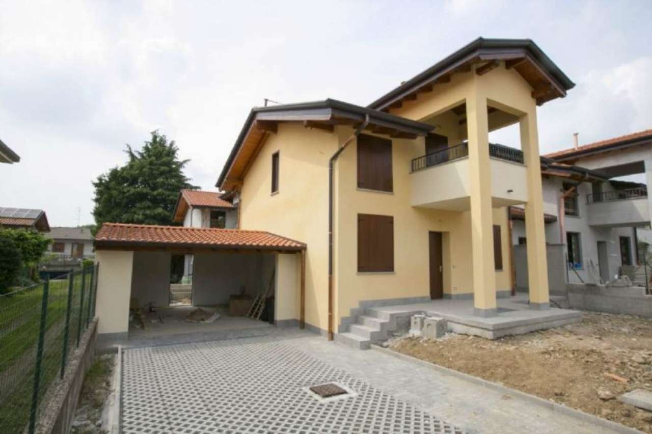 Villa in vendita a Ferno, 4 locali, prezzo € 280.000 | Cambio Casa.it