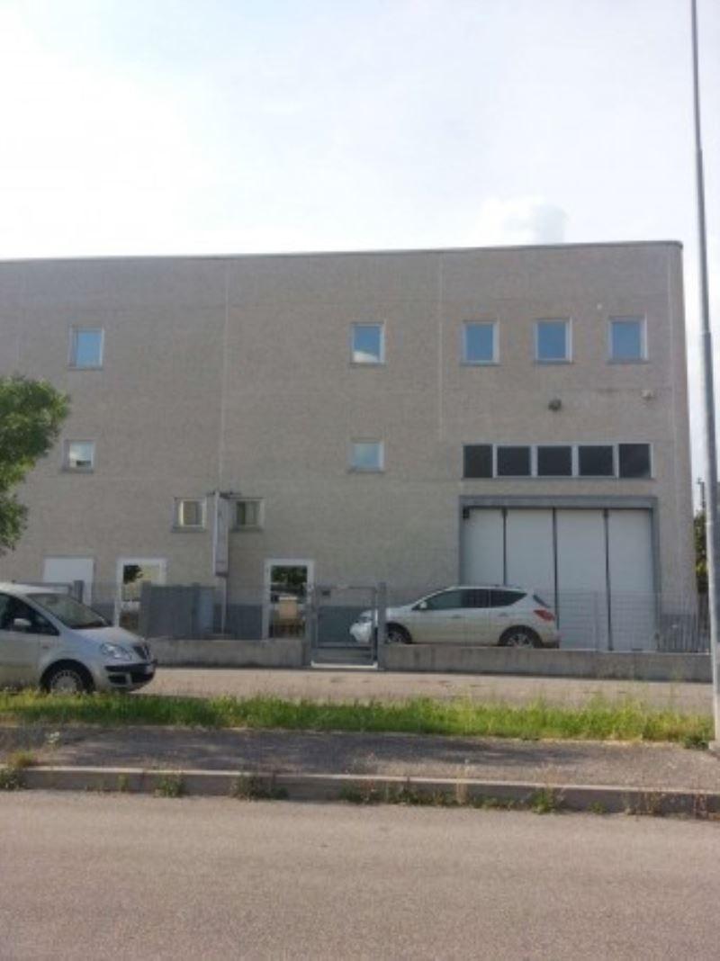 Capannone in vendita a Sommacampagna, 9999 locali, Trattative riservate | Cambio Casa.it