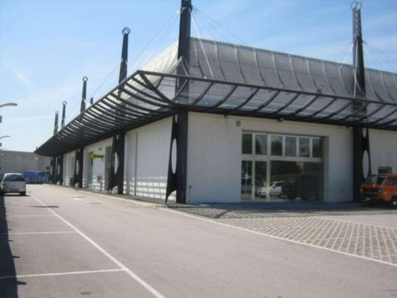 Negozio / Locale in affitto a Pescantina, 9999 locali, Trattative riservate | Cambio Casa.it