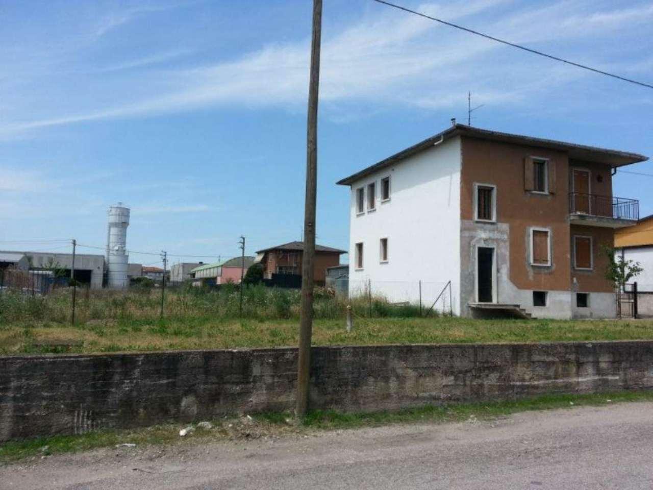 Terreno Edificabile Comm.le/Ind.le in vendita a Pescantina, 9999 locali, Trattative riservate | CambioCasa.it