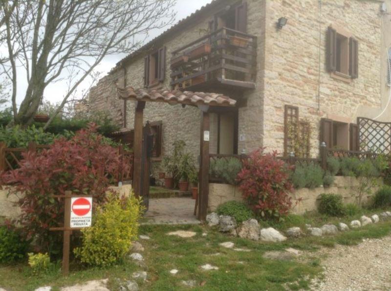 Soluzione Indipendente in vendita a Sassoferrato, 2 locali, prezzo € 85.000 | Cambiocasa.it