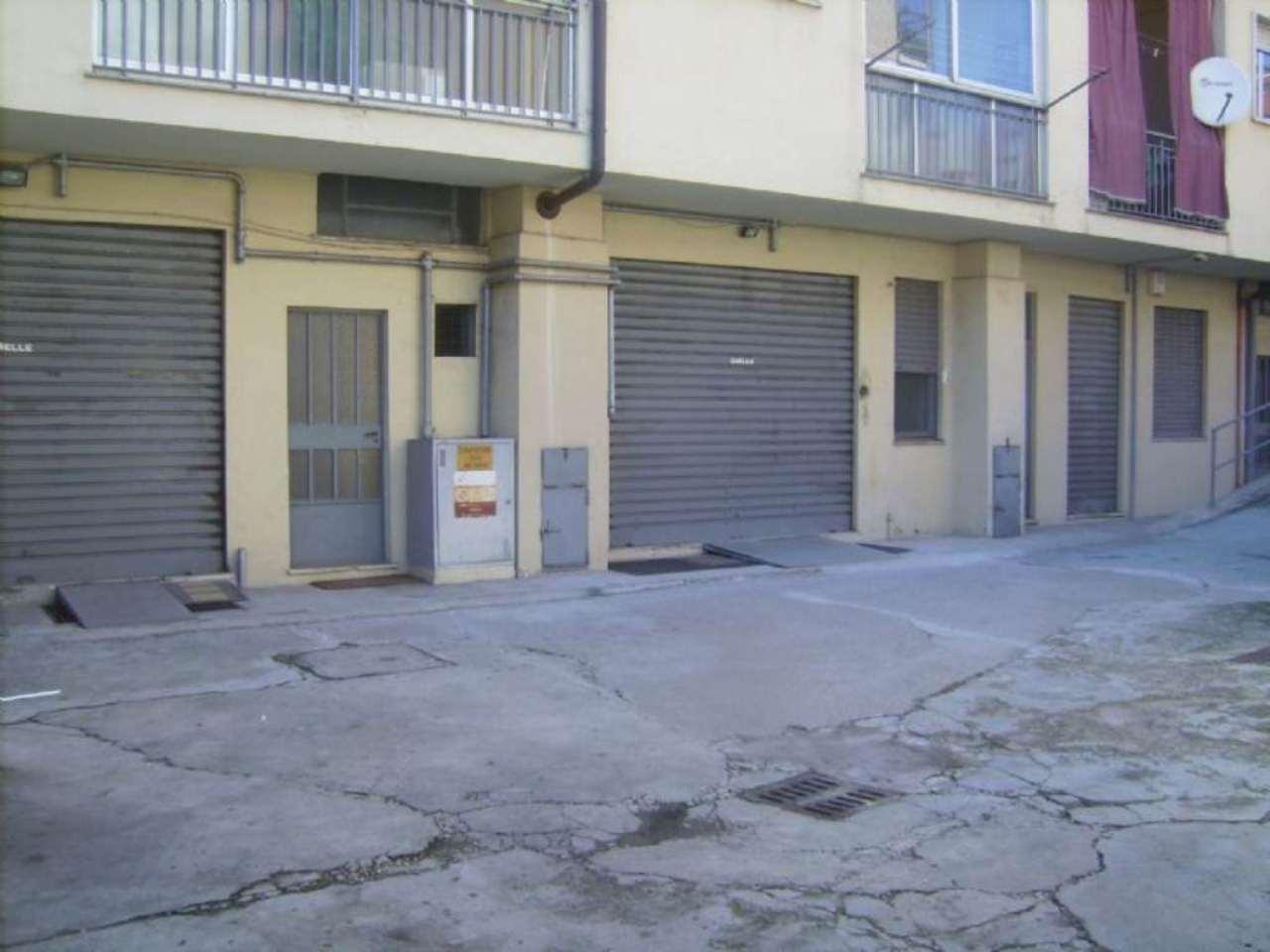 Magazzino in vendita a Grugliasco, 4 locali, prezzo € 70.000 | CambioCasa.it