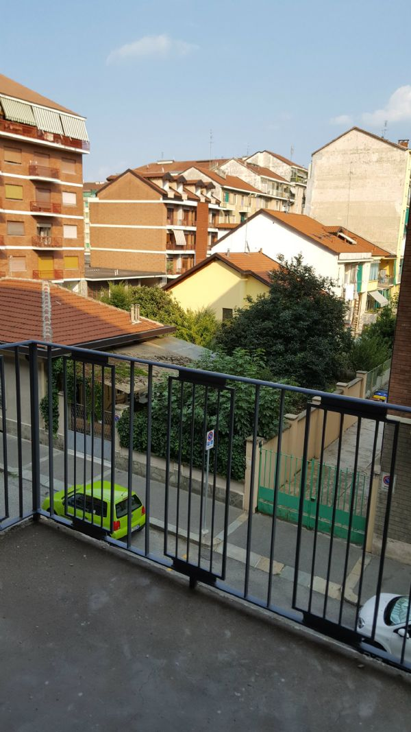 Bilocale Torino Via Mazzè 1