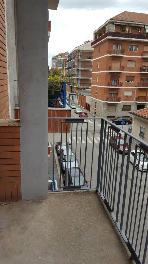 Bilocale Torino Via Mazzè 9