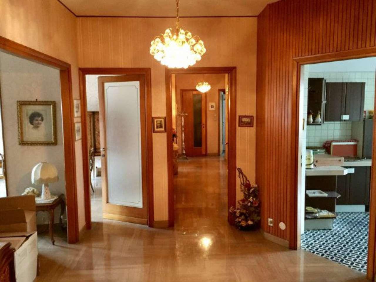 Appartamento 5 locali in vendita a Torino (TO)