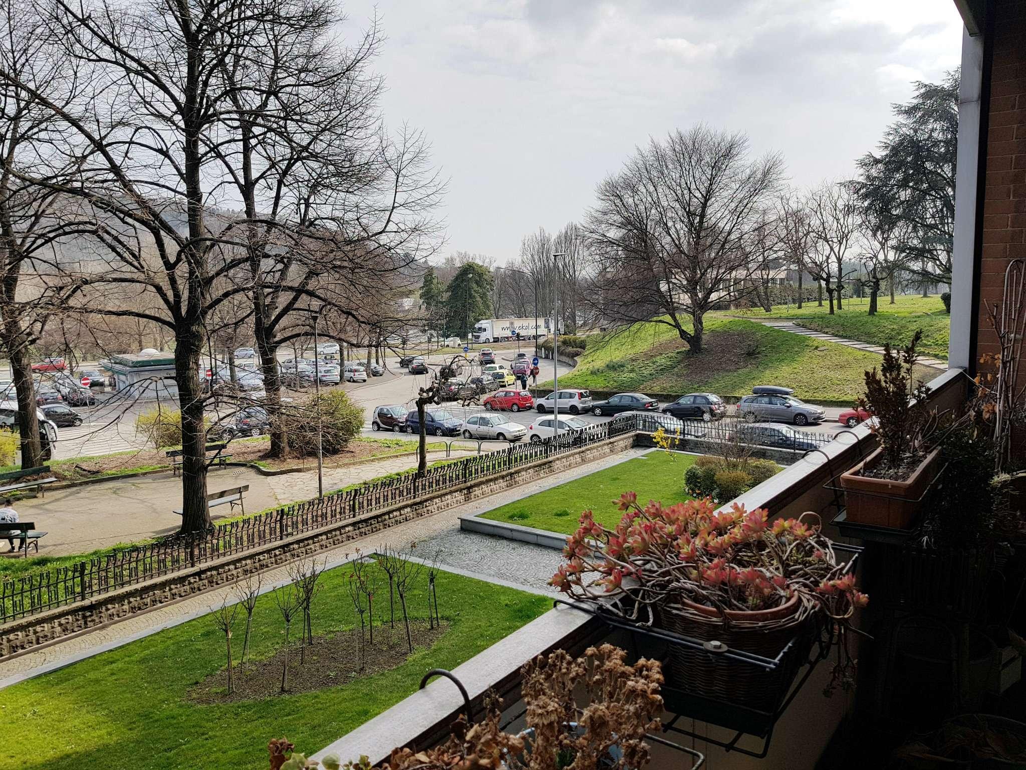 Foto 1 di Appartamento via Garessio 47, Torino (zona Valentino, Italia 61, Nizza Millefonti)