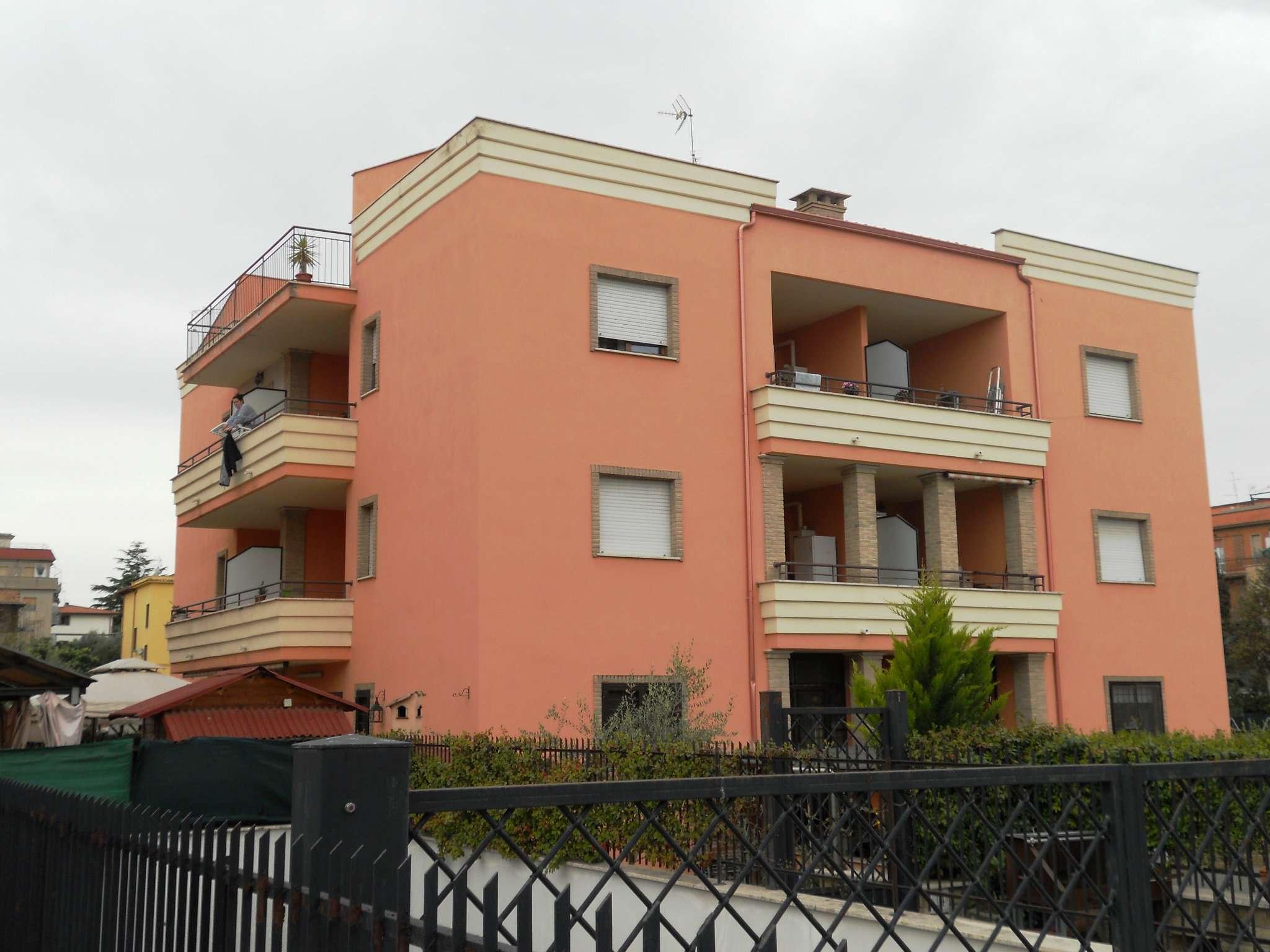 Bilocale affitto roma via casalanguida for Cerco locale in affitto a roma