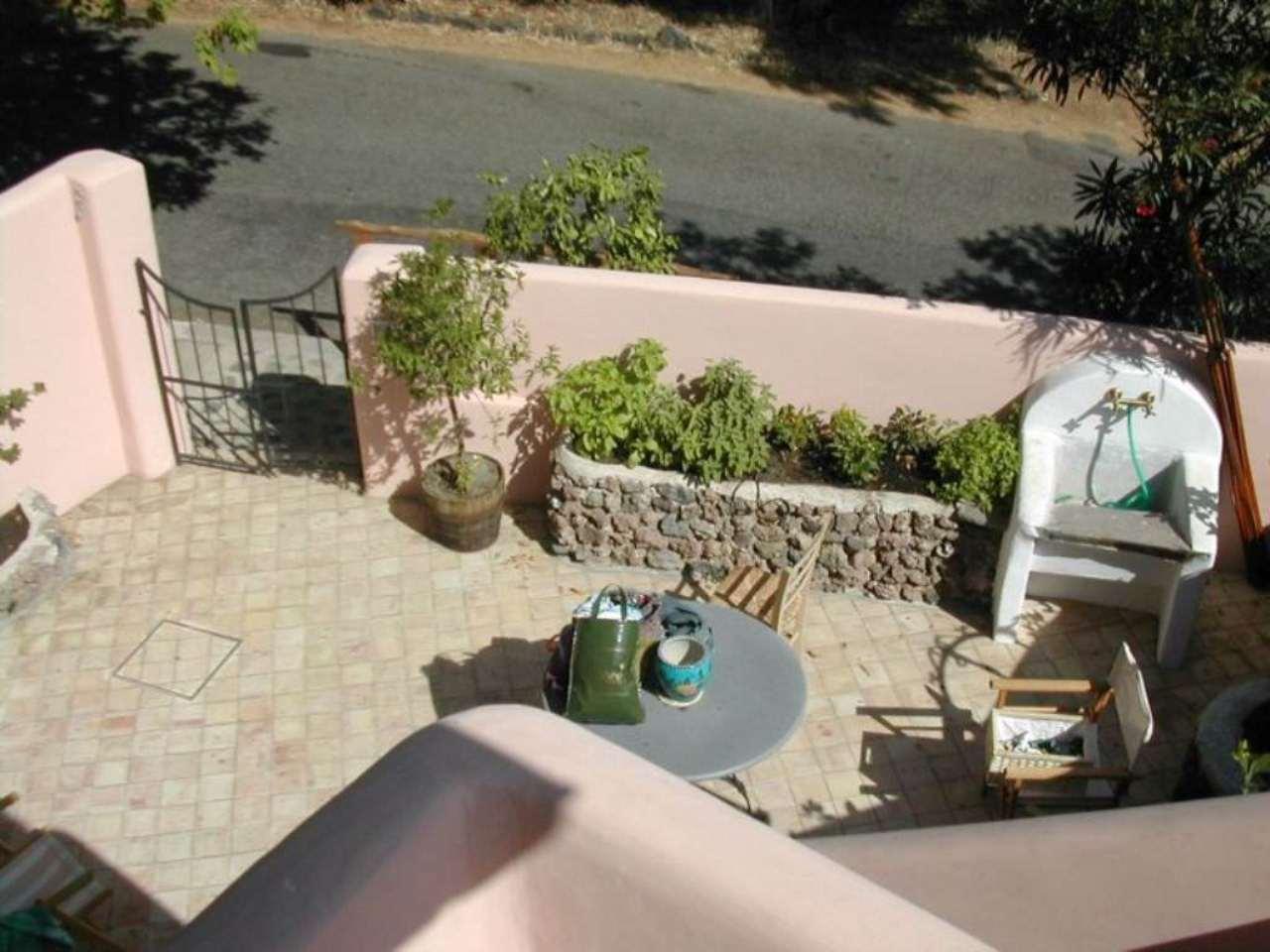 Villa Bifamiliare in vendita a Leni, 3 locali, prezzo € 199.000 | Cambio Casa.it