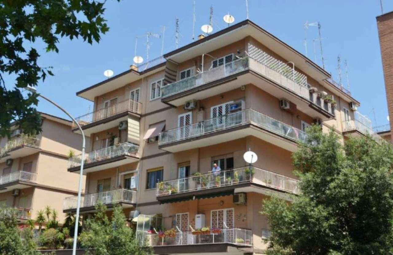 Roma Vendita COMMERCIALI Immagine 0