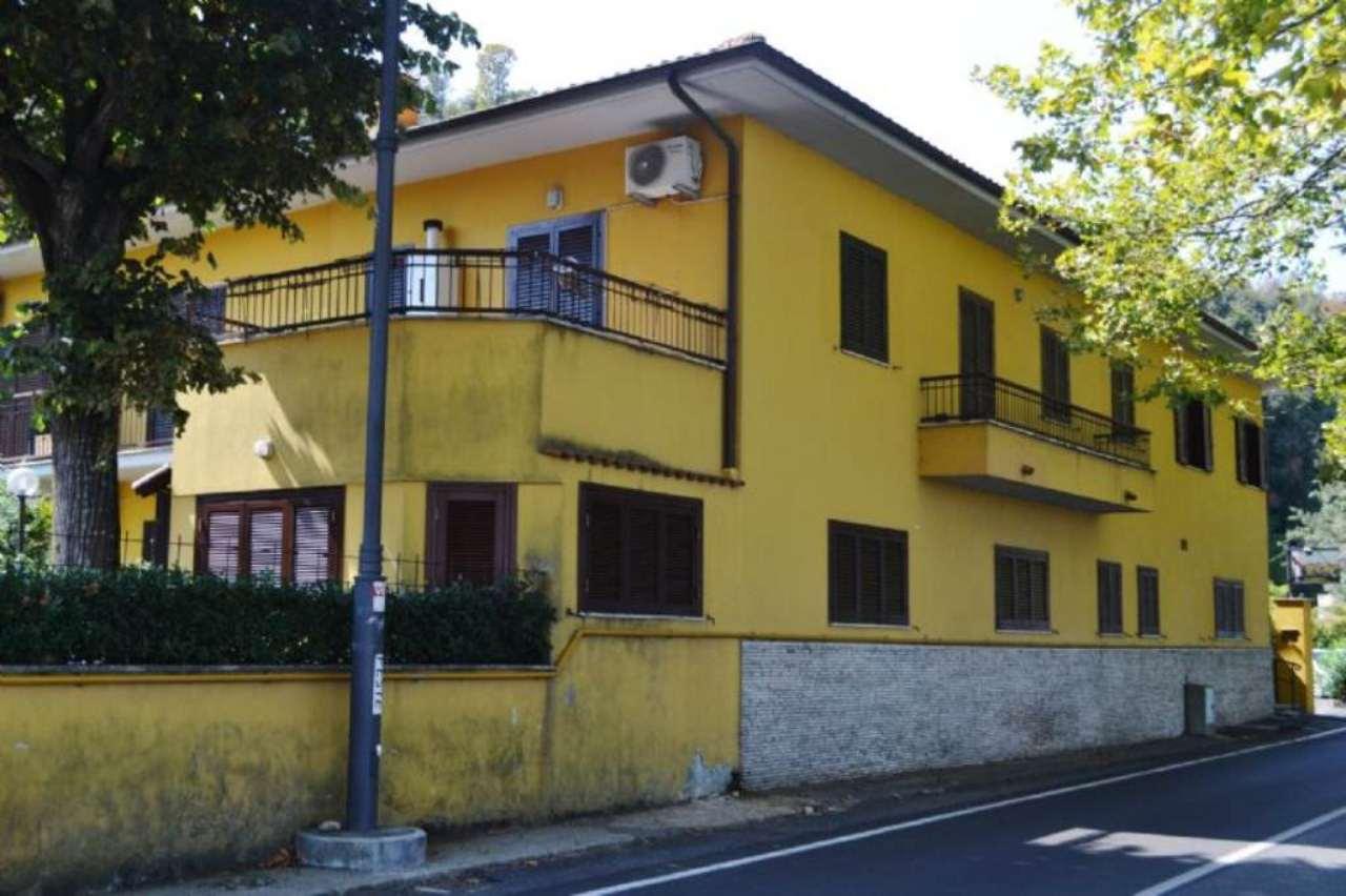 Appartamento in vendita a Anguillara Sabazia, 2 locali, prezzo € 119.000 | Cambio Casa.it